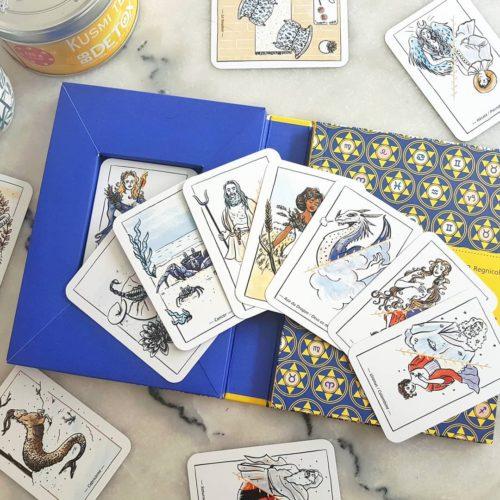 Jeu de cartes pour thème astral, illustrations par Elléa Bird, éditions Mango